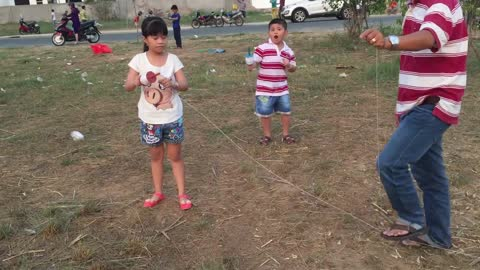 Flying kite -Traditional folk games of Vietnamese