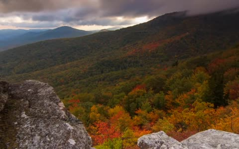 Scenic Time Lapse showcases incredible mountain views in Asheville, North Carolina