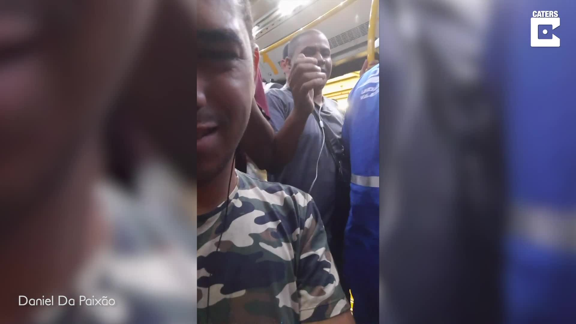 THINK YOUR COMMUTE IS BAD? SHOCKING MOMENT FRENZIED CROWD VIOLENTLY SWARMS INTO SUBWAY CAR