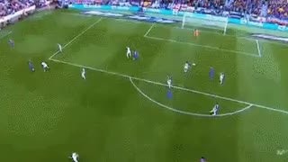 GOAL: Luis Suárez with a great first touch and then finishes it off very calm - Video