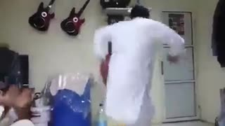 Phatan Funny Dance in Abu Dhabi  - Video