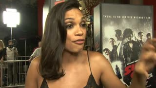 Jessica Alba and Rosario Dawson speak up about female empowerment at Sin City premiere - Video