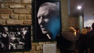 Pop-up exhibition shows life of Kray twins in London's East end - Video