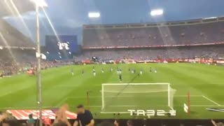 Barca fans chanting Mascherano name - Video