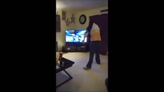 Minnesota Vikings fan loses his mind in the best possible way! - Video