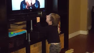 Toddler Shake it Off - Video