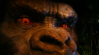 Get face to face with King Kong! - Video