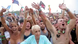 Grandmother parties with the youth at TomorrowWorld - Video