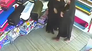 CCTV camera caught women stealing from shop - Video