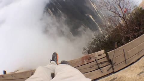 This POV Footage Of The 'Plankwalk In The Sky' Is The Cure For Acrophobia