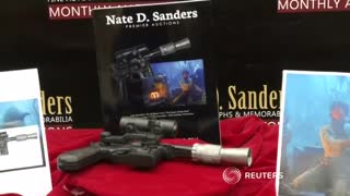 Star Wars prop gun set for auction - Video