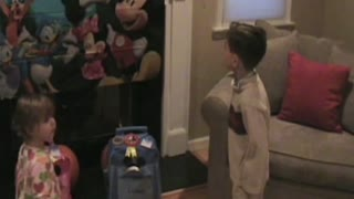 Kid Has Hilarious Reaction To Surprise Disney World Trip - Video