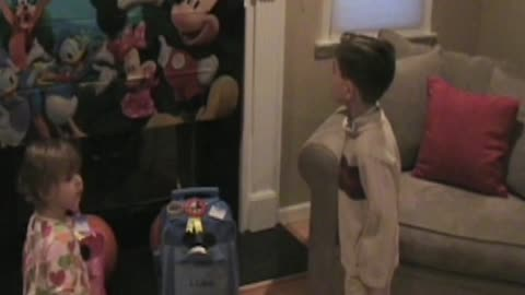 Kid Has Hilarious Reaction To Surprise Disney World Trip