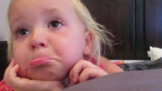 Sad toddler wants her newborn cousin at her birthday - Video