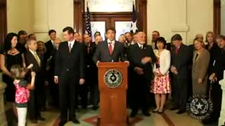 Texas Declares Sovereignty! (10.37, must see)