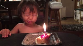 Little Boy Adorably Fails At Blowing Out Birthday Candles - Video