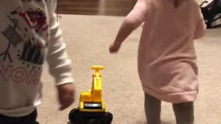 Adorable toddlers showing their love for each other  - Video