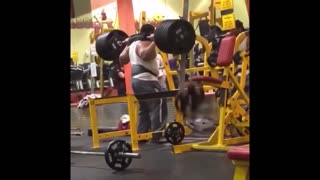 Collab copyright protection - yellow gym squat fail - Video