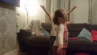Sibling rivalry over Frozen  - Video