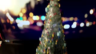 Do it yourself: Mini Christmas tree decoration - Video