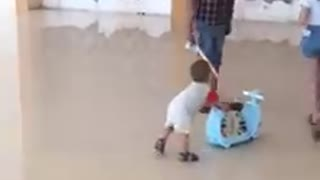 Teach Toddlers, Charlies followed the car looks very cute adorable - Video