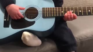 3 year old sings Baby Beluga. One of his favourite songs