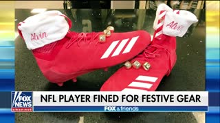 NFL Fines Saints Running Back $6,000 for Red Christmas Cleats - Video