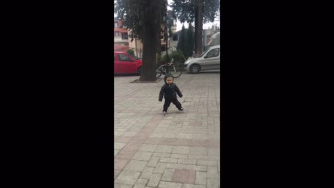 Compilation of toddler's adorable dance move will brighten your day