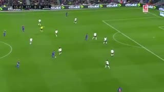 Messi Dribbles vs Valencia - Video