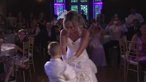 6-Year-Old Boy Surprises Mom With Unforgettable Mother-Son Wedding Dance