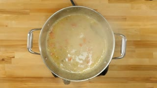 Lemon chicken quinoa soup - Video