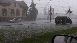 Intense footage of hail storm captured in Romania