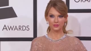 Apple bows to Taylor Swift - Video