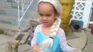 Elsa goes to the dentist. - Video