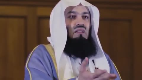 Who Is A Bankrupt? -- Mufti Menk