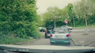 A Brutal Road Rage Reversal - Video