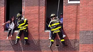 FDNY fireman shocks girlfriend with surprise marriage proposal - Video
