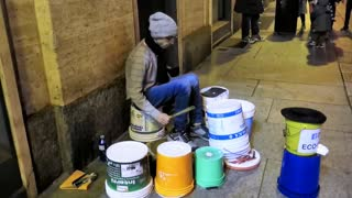 Incredible drummer doesn't need expensive kit - Video