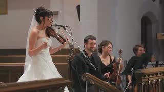 Bride Sings Surprise Song At Wedding Ceremony - Video