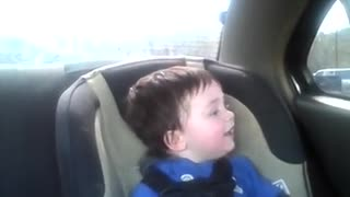 Baby freaks out over sister's school bus - Video
