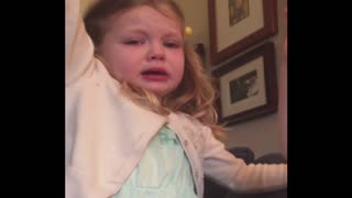 Siblings Squabble To Say Sorry - Video