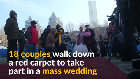 Mass nuptials in sub-zero temperatures in China