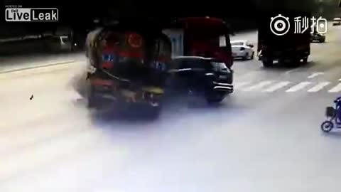 Mercedes can break tanker truck in half by one hit