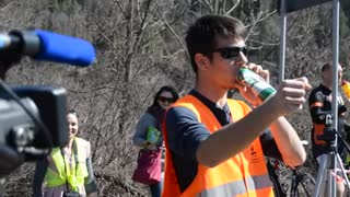 Drinking and driving, but instead of punishment definitely deserves applause!!! - Video