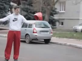 Street rapper falls in an embarrassing situation