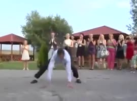 EPIC WEDDING DANCE BATTLE