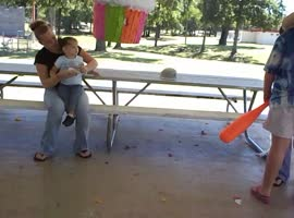 cupcake pinata 2 - Video