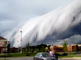 Scary Storm Clouds Approaching - Video