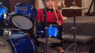 Baby shows off impressive drum solo - Video