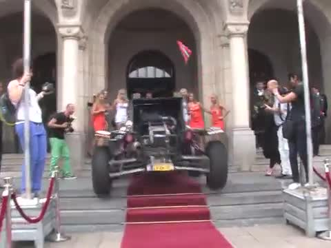 Arriving On the Red Carpet Like a Boss!